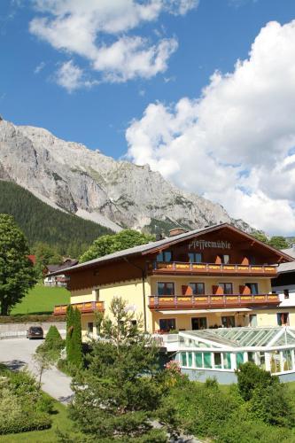 Aparthotel Pfeffermühle - Hotel - Ramsau am Dachstein