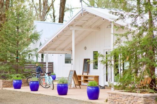 Mandala Springs - Accommodation - Cobb