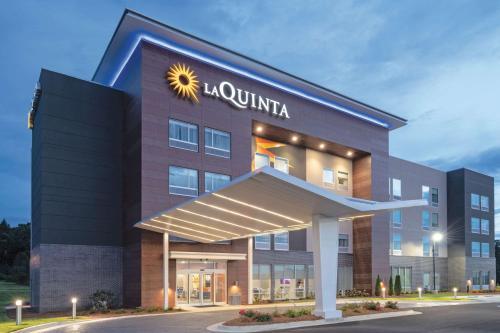. La Quinta by Wyndham Opelika Auburn