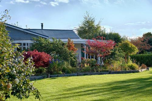 Folster Gardens Bed and Breakfast - Accommodation - Invercargill
