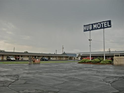 Hub Motel - Redmond, OR 97756
