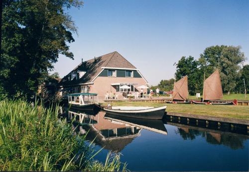 de Harmonie, Pension in Giethoorn
