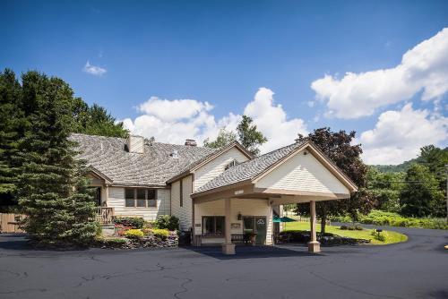 Best Western Inn & Suites Rutland/Killington