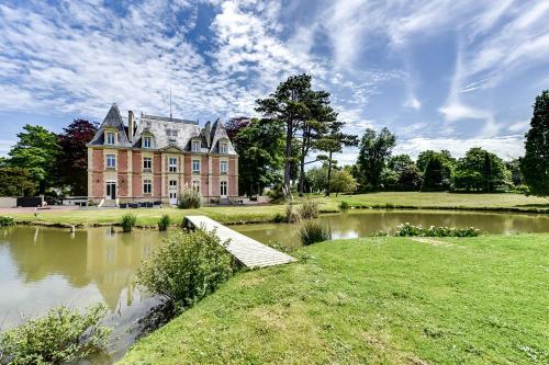 . Château Côte de Nacre