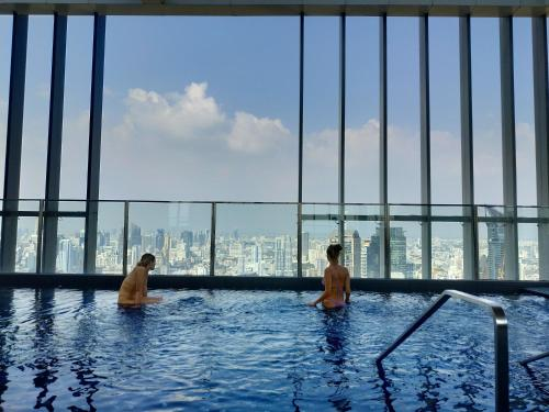 Rooftop pool gym luxury cozy condo @Park24 near BTS Rooftop pool gym luxury cozy condo @Park24 near BTS