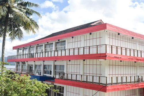 . RedDoorz Plus @ Tirta Kencana Hotel