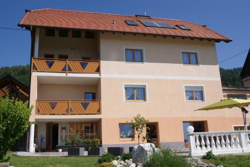 Privatzimmer Mitterbacher - Hotel - Fohnsdorf