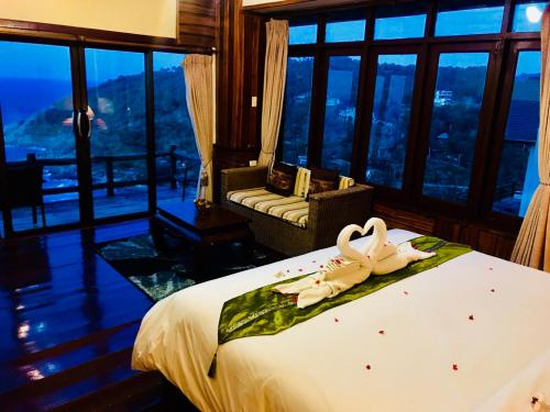 Sea View Suite with Spa Bath