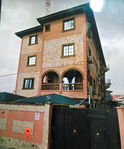 M.C COURT HOTEL, Mushin