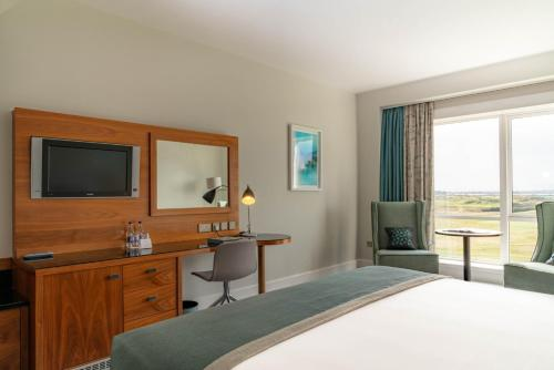 Deluxe Double Room with Golf View