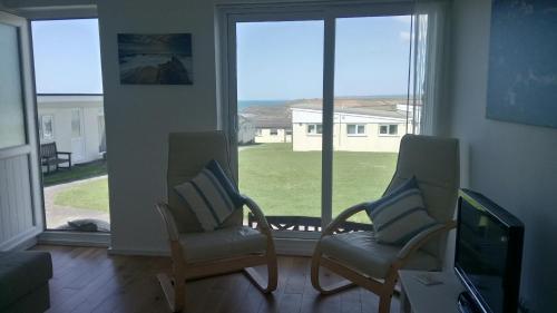 Chalet 18 Widemouth Bay Holiday Village, Widemouth Bay, Cornwall