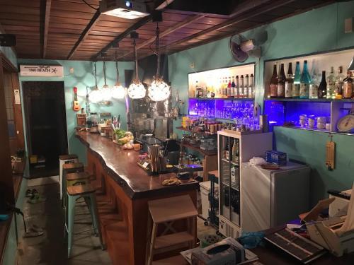 Guest house & Bar Diamond Head