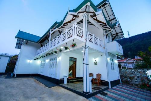 . Dahlia Mount View Hotel