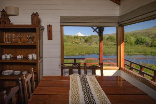 Фото отеля Spring Creek Lodge