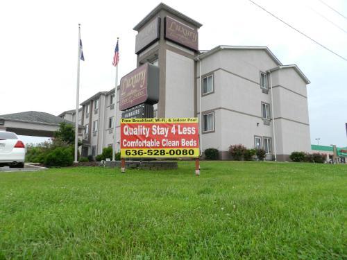 . Luxury Inn & Suites Troy