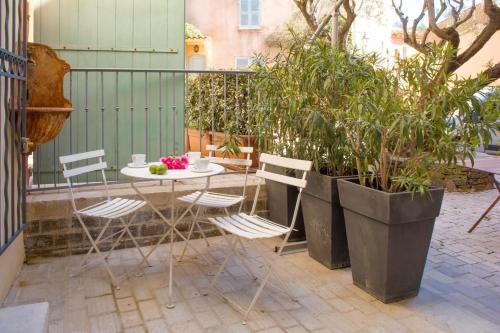 Maison fontaine - Location saisonnière - Saint-Tropez