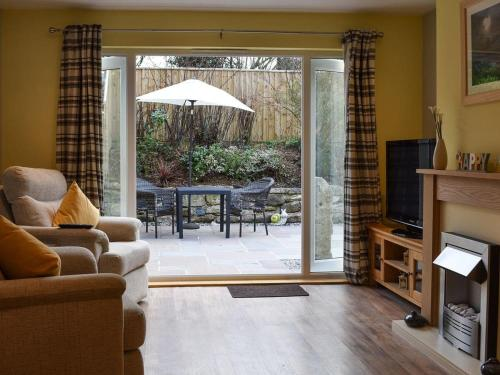 Old Orchard Cottage Near Eden, Tregrehan, Cornwall