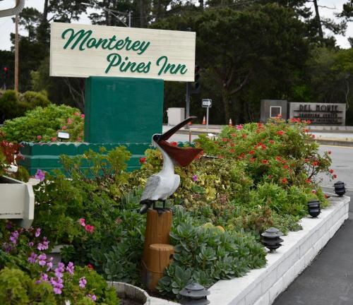 Monterey Pines Inn