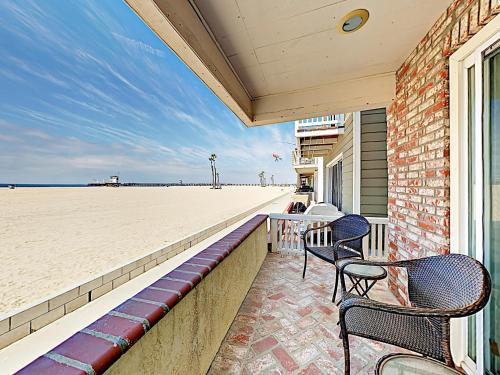 . Prime Oceanfront Duplex
