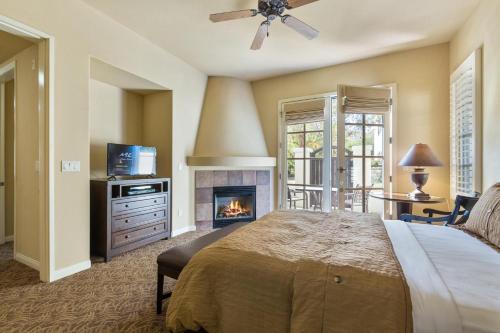 . (T21) Lux Villa With Fountain View Condo
