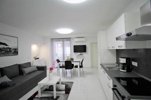 Arbel Apartments, 52440 Poreč