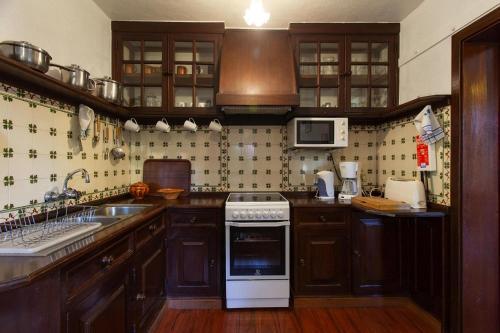 Holiday homes Casas Valleparaizo Camacha - FNC021004-FYB, Santa Cruz
