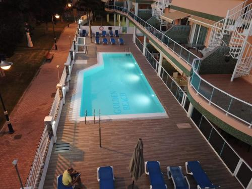 Hotel Golden beach nr 2, Only 75 meters from the beach with a lovely pool.