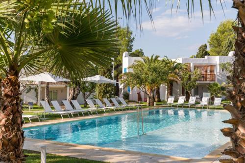 . Cala Llenya Resort Ibiza