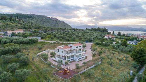 Kara8wna Langă Agia Paraskevi Grecia Apă De Temperatură
