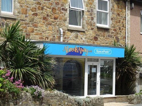 Abreakaway Lodge, Porth, Cornwall