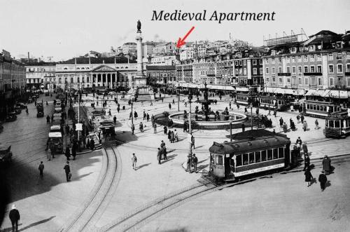 Romantic Medieval Apartment in Lissabon