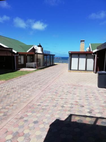 94 Sea Cottage