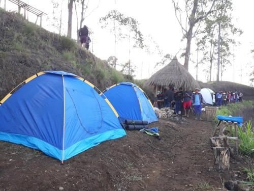 Caldera camp with sunrise, Bangli
