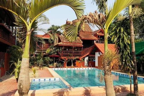 . Golden Teak Home Resort