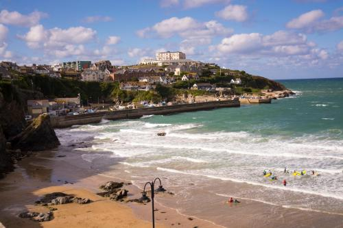 Dog Friendly Apartment In Crest Court, Newquay, Porth, Cornwall