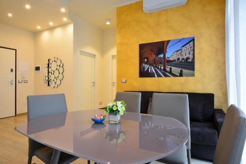 . La Dotta Apartments
