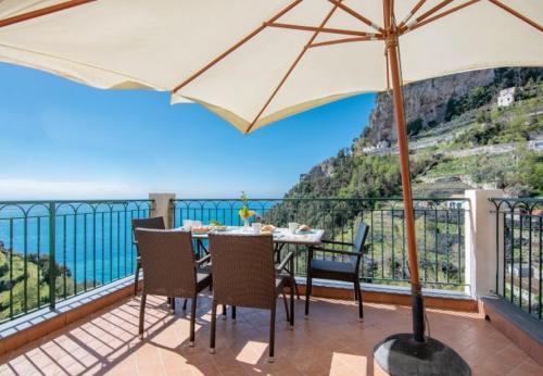 Amalfi Apartment Sleeps 2 Air Con WiFi, Pension in Amalfi