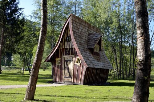 . Cabanes d'Aiguebelette