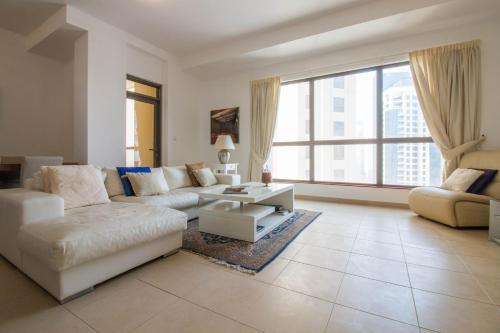 Luxurious Apartment Marina View - image 9