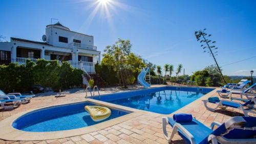 Almancil Villa Sleeps 9 Pool Wifi