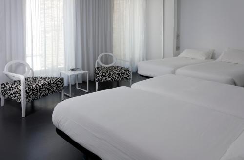 Familienzimmer mit Badewanne Moure Hotel 1