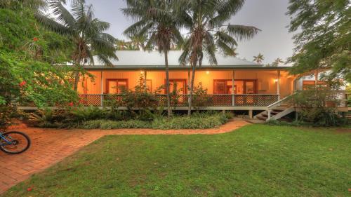 . Beachcomber Lodge