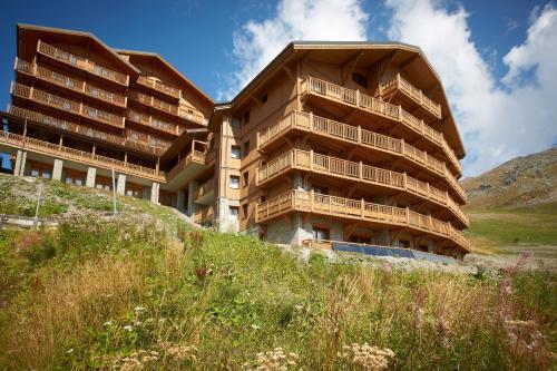 CGH Résidences & Spas les Chalets du Soleil Contemporain - Accommodation - Les Menuires