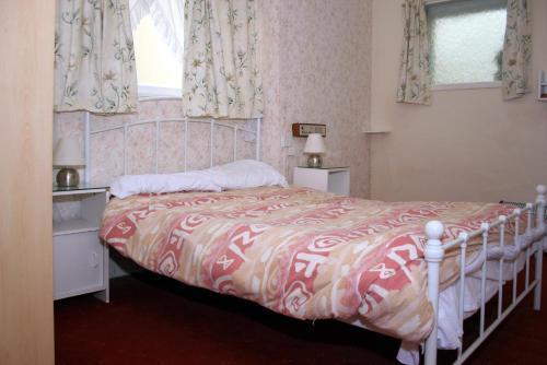 OYO The Chatsworth Hotel - Photo 5 of 16