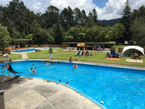Sapphire Springs Holiday Park and Thermal Pools