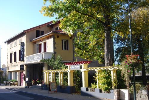 . Hôtel Restaurant les Platanes