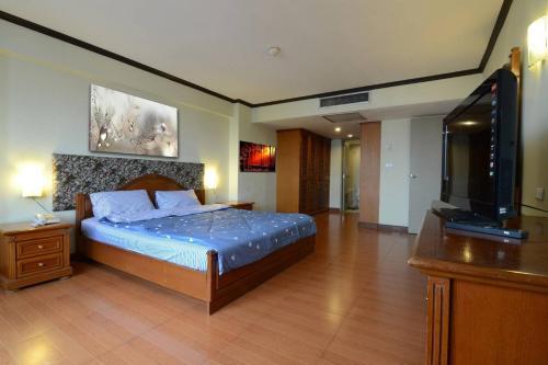 Omni Towers - Large 1 Bedroom Condo Soi Nana Omni Towers - Large 1 Bedroom Condo Soi Nana