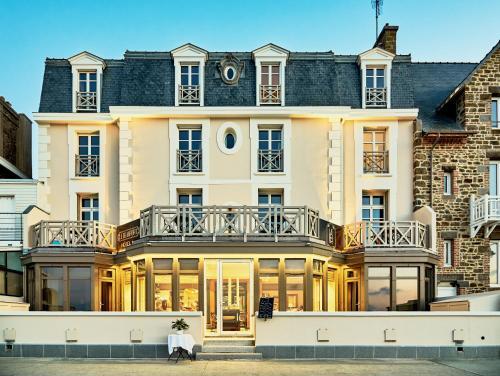 Hôtel Le Beaufort - Hôtel - Saint-Malo