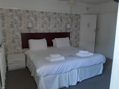 North Parade Seafront Accommodation - Photo 3 of 73
