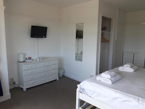 North Parade Seafront Accommodation - Photo 5 of 73